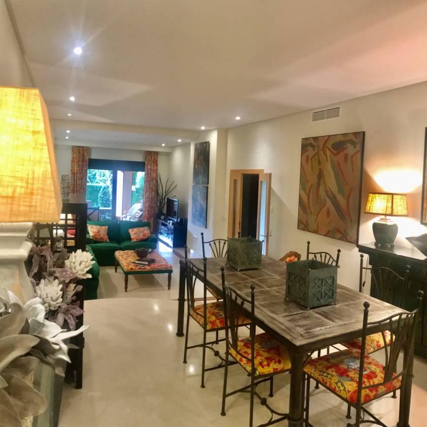 Apartamento planta baja con jardín en Las Mimosas de Banus